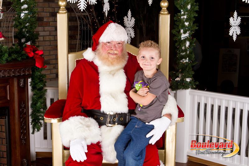 Santa Dec 8-277.jpg