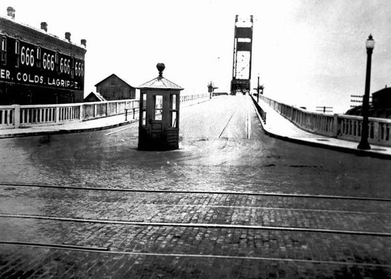 lrg-1260-acostabridge-historic.jpg