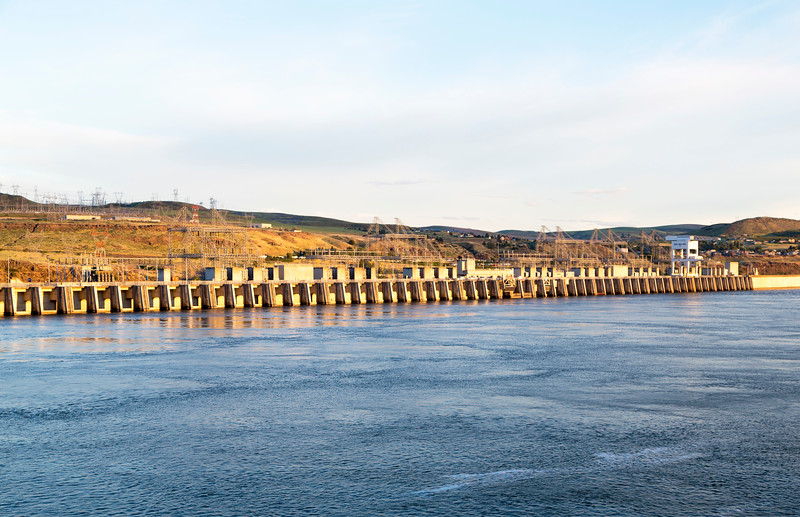 View of the John Day Dam from upstream