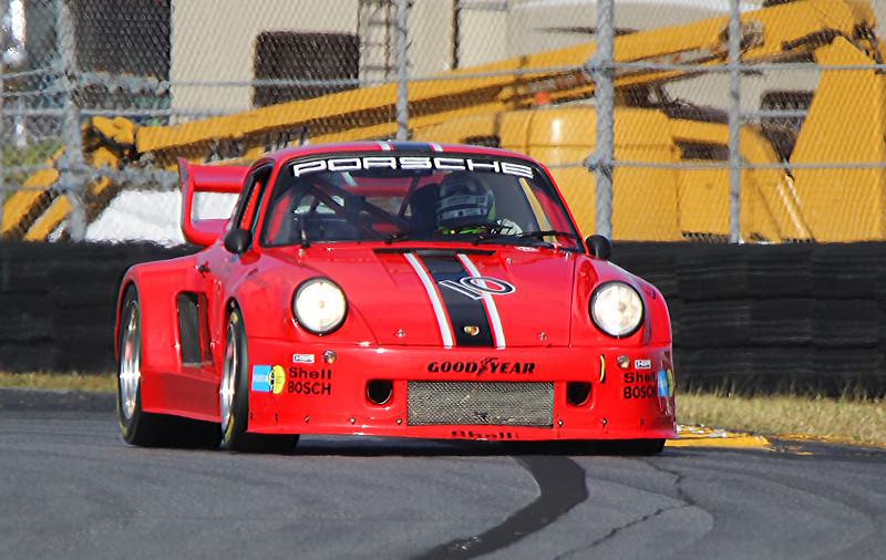 Classic24-2015_4888-#10-Porsche935K.jpg