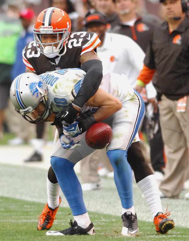. Michael Allen Blair/MBlair@21st-CenturyMedia.com Browns\' defensive back Joe Haden breaks up a pass intended for Lions\'wide receiver Kris Durham during the second quarter versus the Lions at FirstEnergy Stadium in Cleveland, OH. on Sunday, October 13, 2013.
