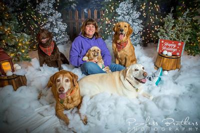 Laurie Powless & Grandpups Christmas Photos