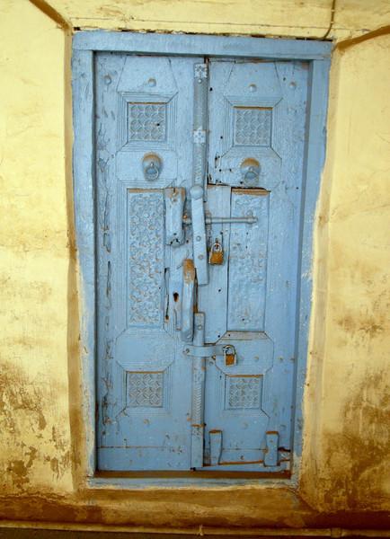 a door in the Al-Asha'ir Mosque in Zabid