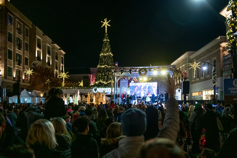 AvalonTreeLighting2019_5535.jpg