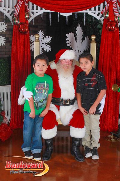 Santa 12-10-16-179.jpg