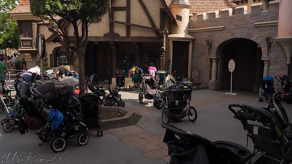 Disneyland Resort, Disneyland, Fantasyland, Castle Heraldry Shoppe, Castle, Heraldry, Shop