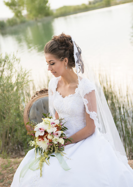 JUNE BRIDAL SHOOT-79.jpg