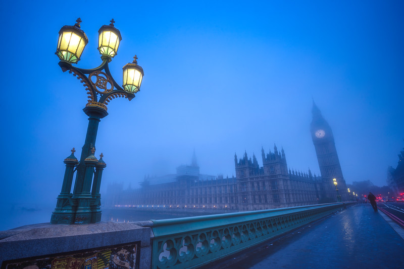London-fog-Westminster-Bridge-wide-angle.jpg