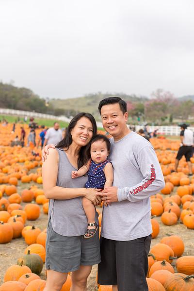 oliver_ella_pumpkin_patch-33.jpg