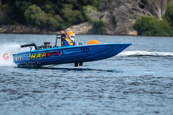 Speedboat racing 16052021