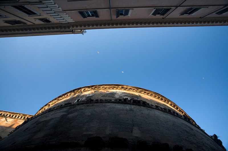 Rome's sky and the rounded wall of Pantheon