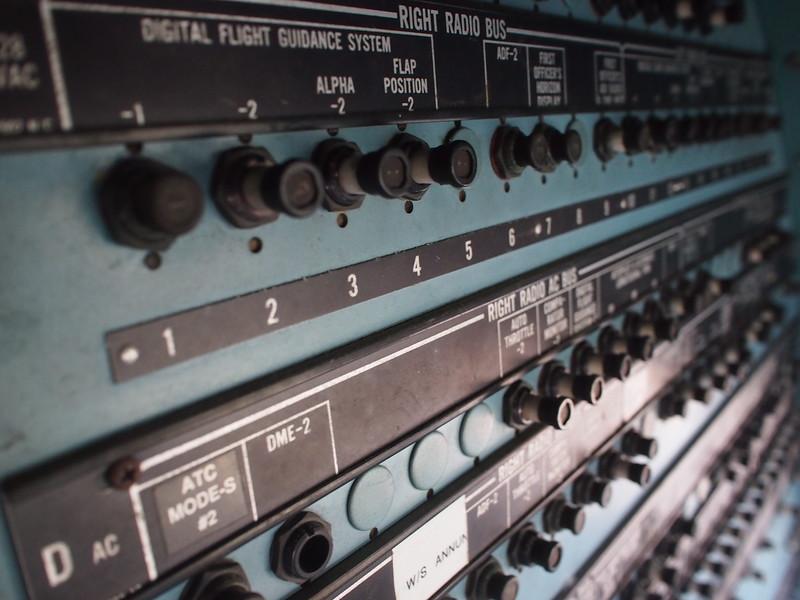 P3042859-cockpit-knobs.JPG