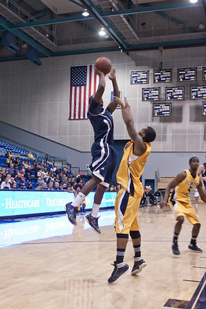 HIU Athletics Print Gallery
