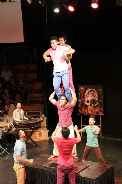 2014-11-27 Phare Cambodian Circus 092.JPG