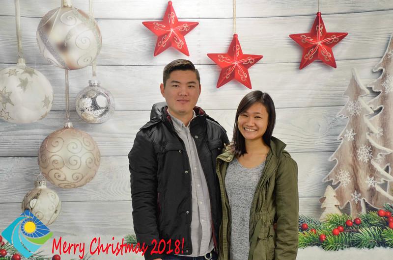 Christmas Photobooth 2018-033_01.jpg