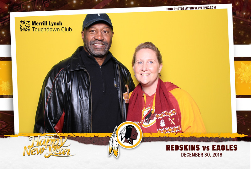 washington-redskins-philadelphia-eagles-touchdown-fedex-photo-booth-20181230-164515.jpg