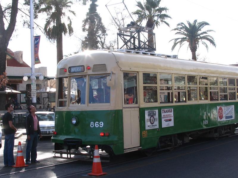 Tucson_Old_Pueblo_Trolley_Jan_2006-wiki.jpg