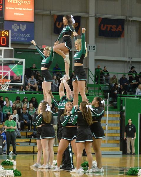 cheerleaders2072.jpg