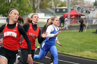 Girls 200m Dash (2019-04-27)