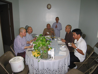 Chu Ton-Duc Tang-Ni Vieng Tham (Monks and Nuns Visits)