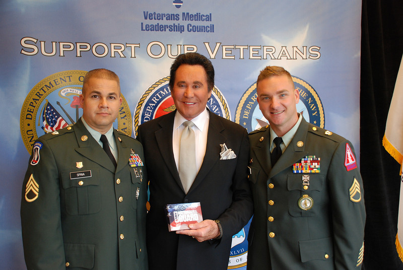 SSG Mark Spina, Wayne Newton and SSG Michael Semeja