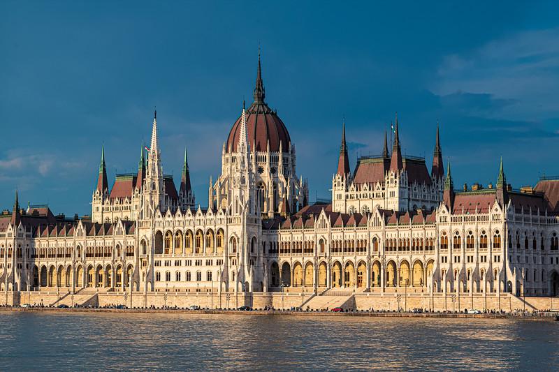 B Hungarian Parliament 2.jpg