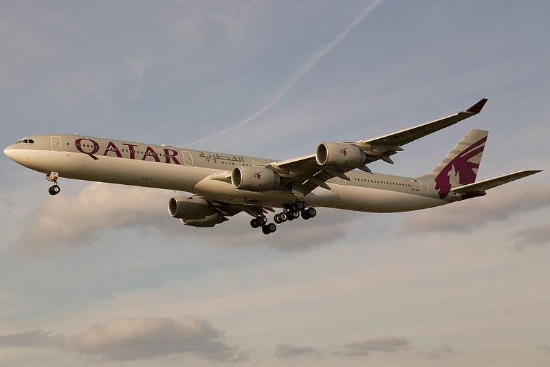 SkyMover_LHR18092007_Qatar_A7-AGC.jpg