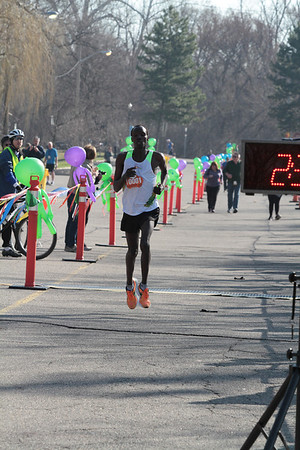 Marathon Finish Gallery 2 - 2014 Martian Invasion of Races