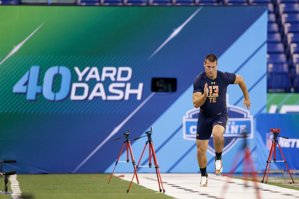 . Pittsburgh tight end Scott Orndoff runs the 40-yard dash at the NFL football scouting combine in Indianapolis, Saturday, March 4, 2017. (AP Photo/Michael Conroy)