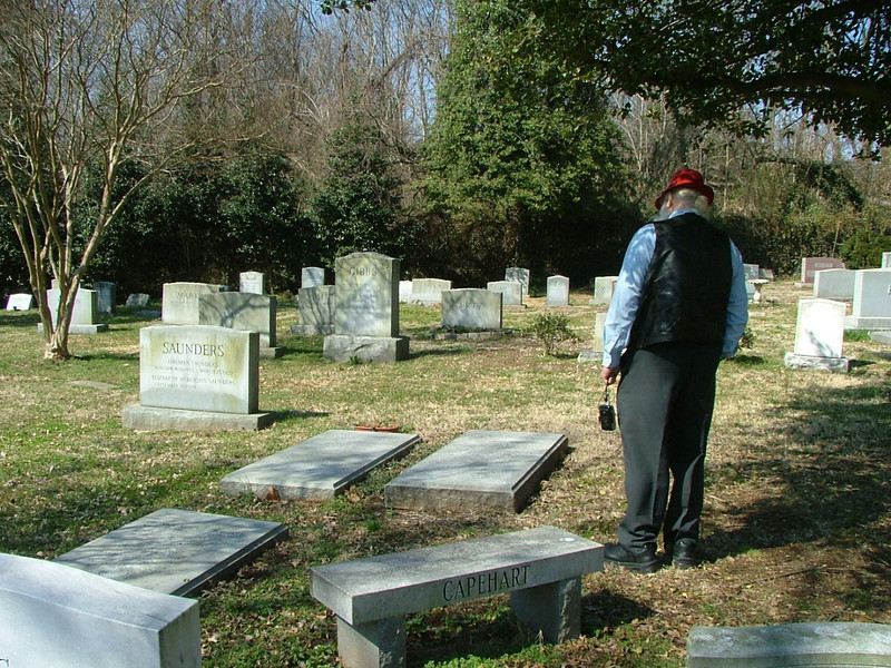 Al at the family grave site in Hollywood cemetery where his mother, father and sister Donna are