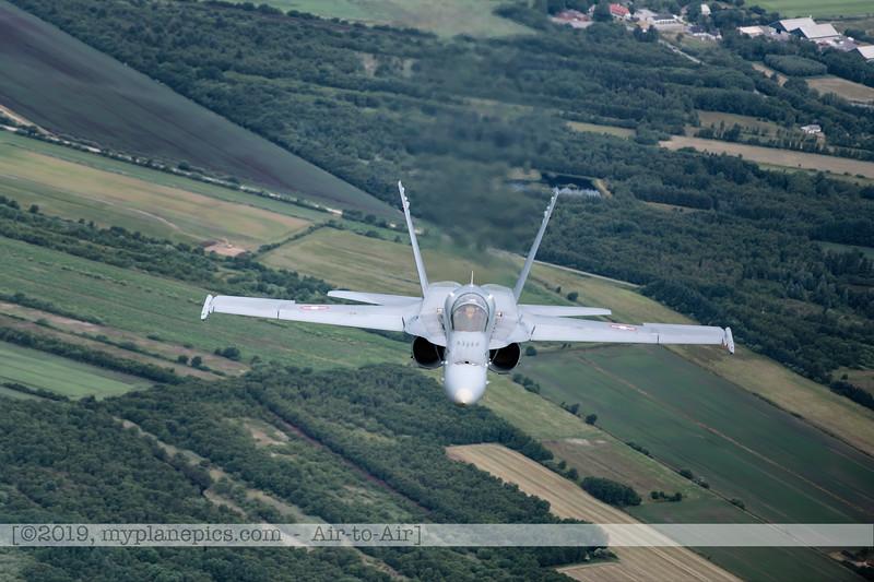 F20180609a112523_2124-F-18A Hornet-J-5020-Suisse-Demo-a2a-Aalborg,Danemark-settings.jpg