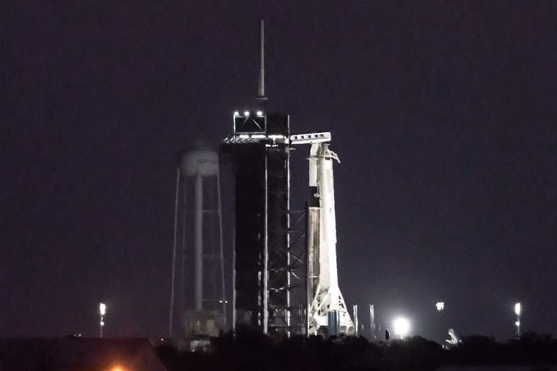 Falcon 9 and Crew Dragon on Pad 39A ahead of the Inflight Abort Test