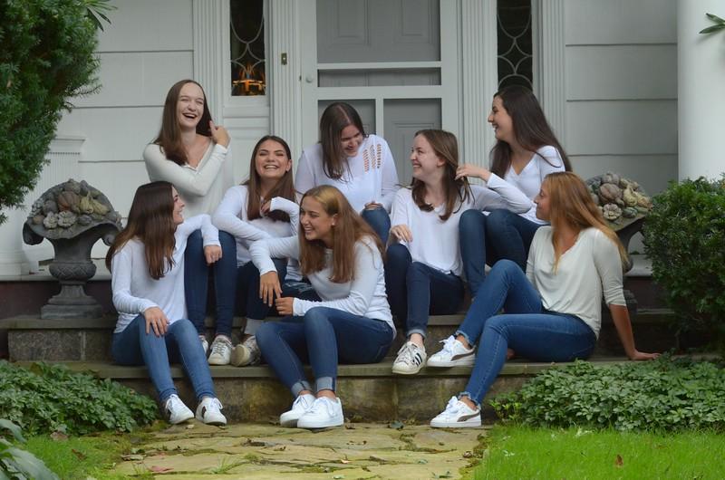 Julia Friend Group Pics - 50 of 308.jpg