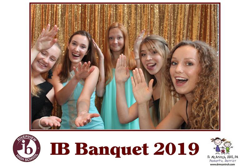 2019.05.20 - Riverview IB Banquet 2019 - Gold Backdrop