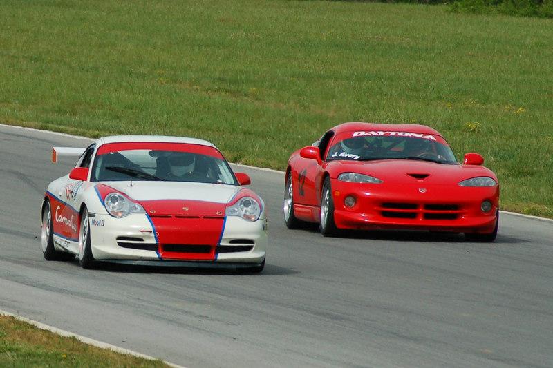 Porsche & Viper down the straightaway