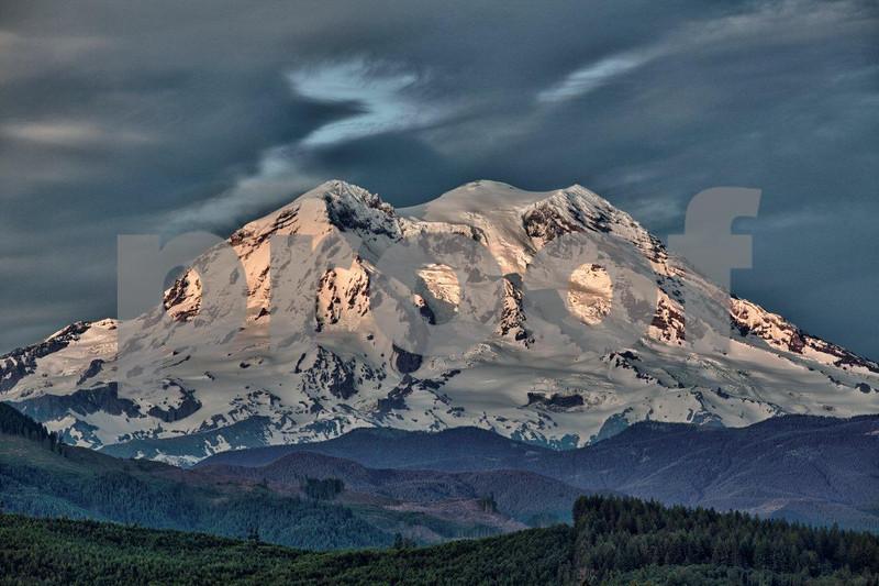 Mt. Rainier, Butlers 5214_HDR, Real #03.jpg