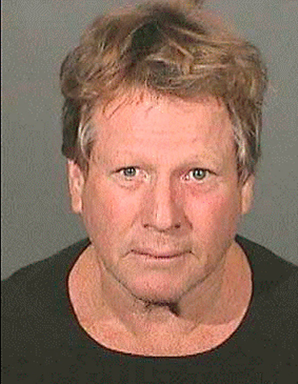 . In this image released by the Los Angeles County Sheriffs Department, actor Ryan O\'Neal  is shown in an arrest photo on Wednesday, Sept. 17, 2008 in Los Angeles.  O\'Neal and his son Redmond were arrested Wednesday morning after authorities said a check of their Malibu home turned up drugs. Los Angeles Sheriff\'s deputies and probation officers went to O\'Neal\'s home to check on his son Redmond, who is serving three years of probation after pleading guilty in June to drug possession charges. (AP Photo/Los Angeles County Sheriffs Department)