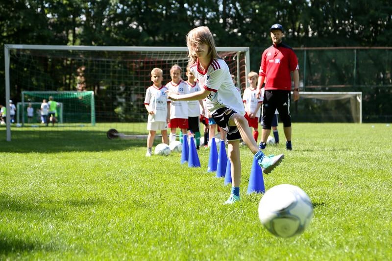 hsv_fussballschule-398_48047986148_o.jpg