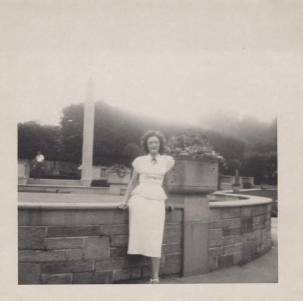 1949 Vivian Konyha Honeymoon (5).jpeg