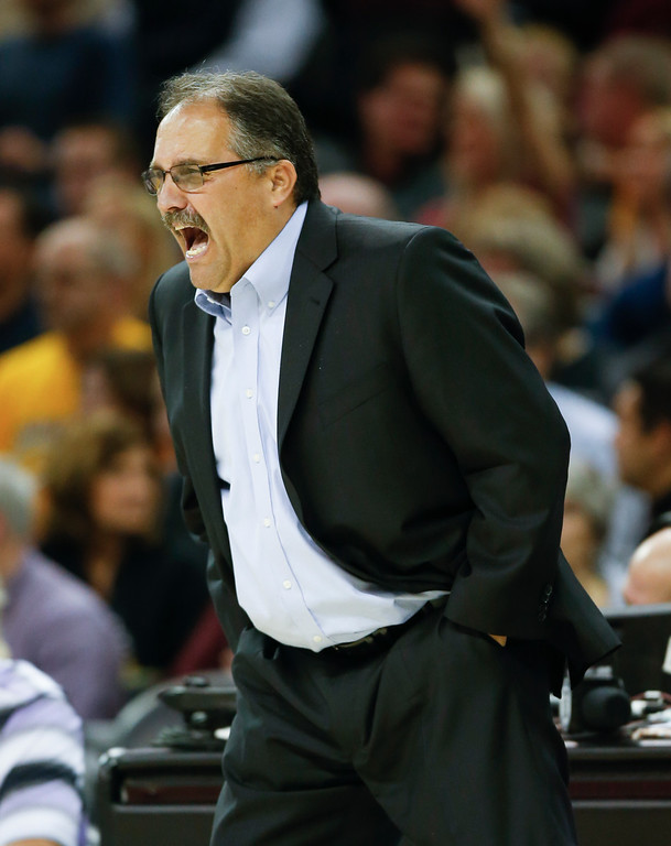 . Detroit Pistons head coach Stan Van Gundy directs his team against the Cleveland Cavaliers during the second half of an NBA basketball game Friday, Nov. 18, 2016, in Cleveland. The Cavaliers won 104-81. (AP Photo/Ron Schwane)