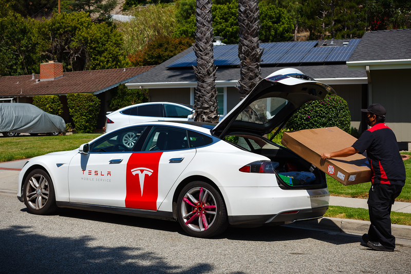 2020 07/25: Tesla Mobile Service