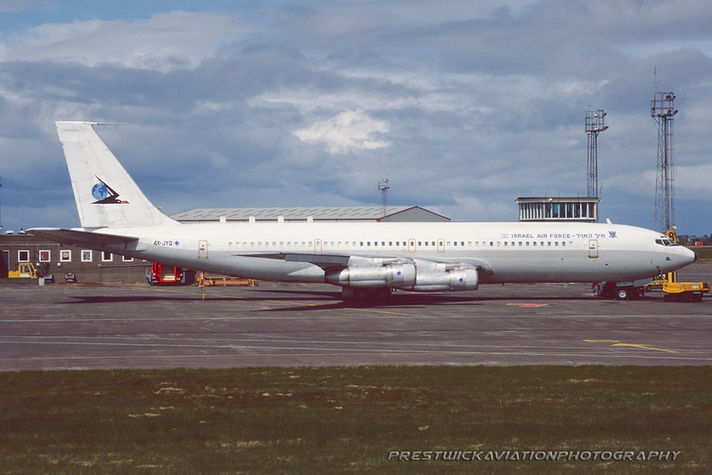 4X-JYQ. Boeing 707-344C Re`em. Israeli Air Force. Prestwick. June. 1995.