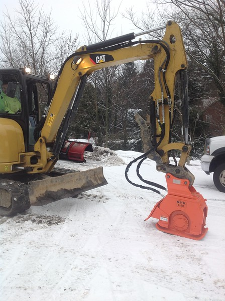 NPK C3D compactor with backfill blade on Cat mini excavator (4).JPG