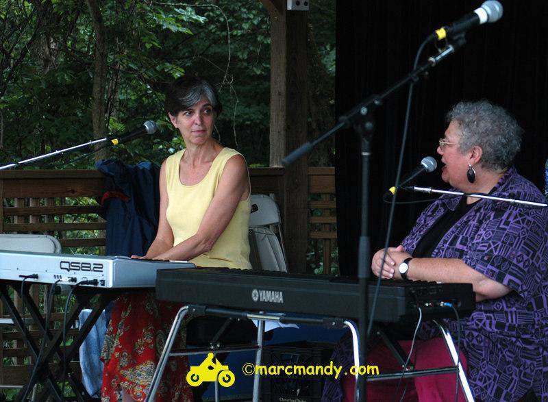 Phila Folk Fest- Sat 8-27 077 Tickle the Ivories Wkshp.JPG