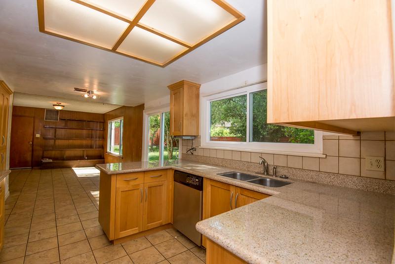 DSC_4482_kitchen.jpg
