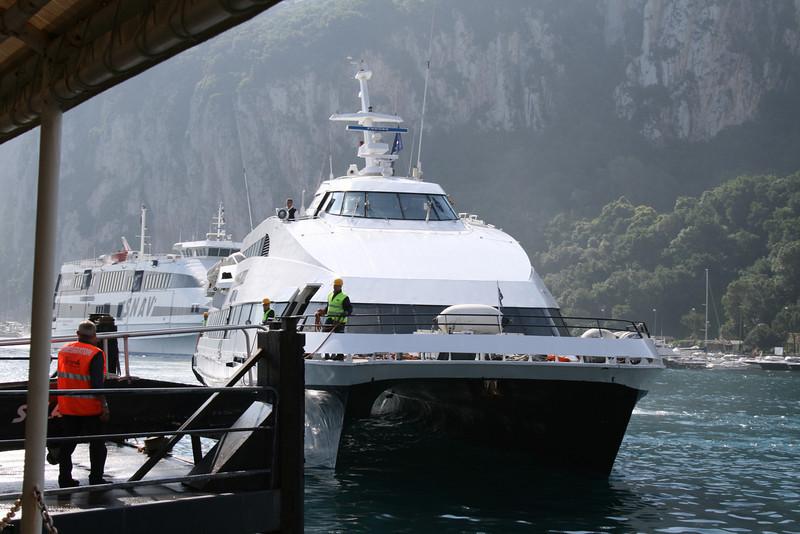 2010 - DSC SNAV ALCIONE mooring in Capri.