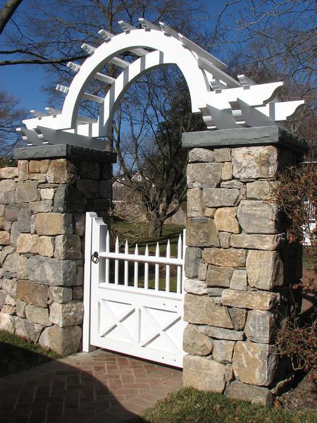 177 - 288899 - Fairfield CT - Custom Gate & Arbor