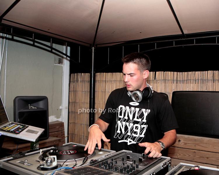 DJ M.