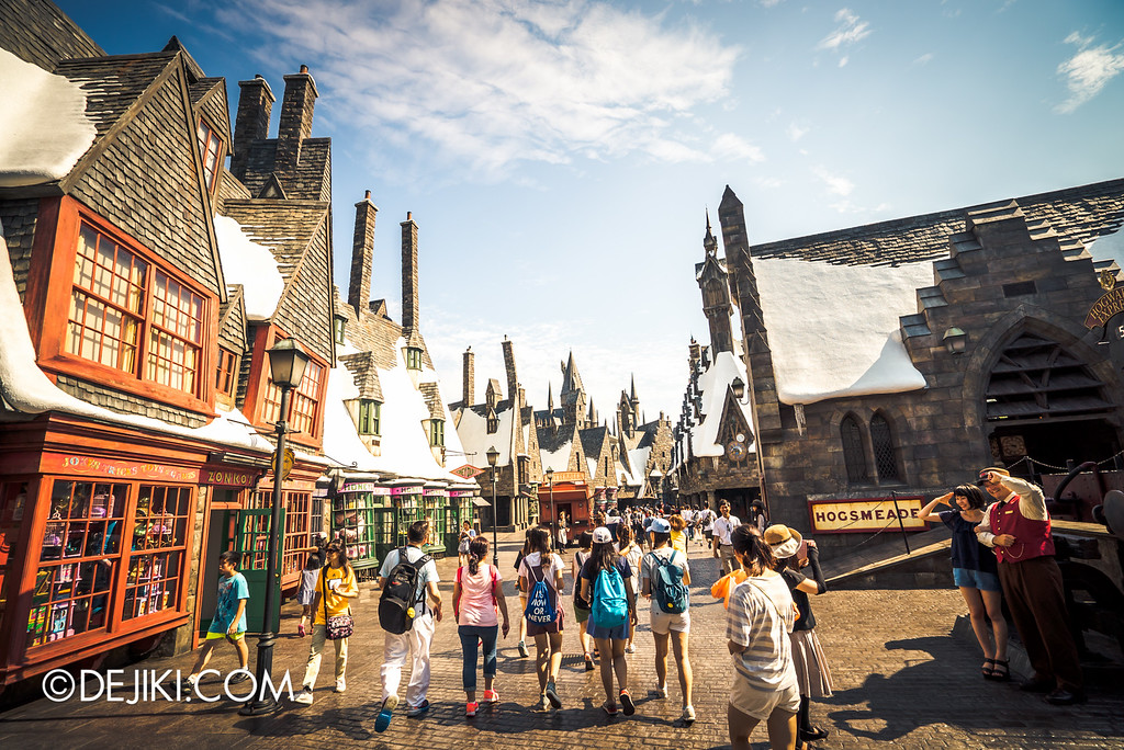 Universal Studios Japan - The Wizarding World of Harry Potter - Hogsmeade overview