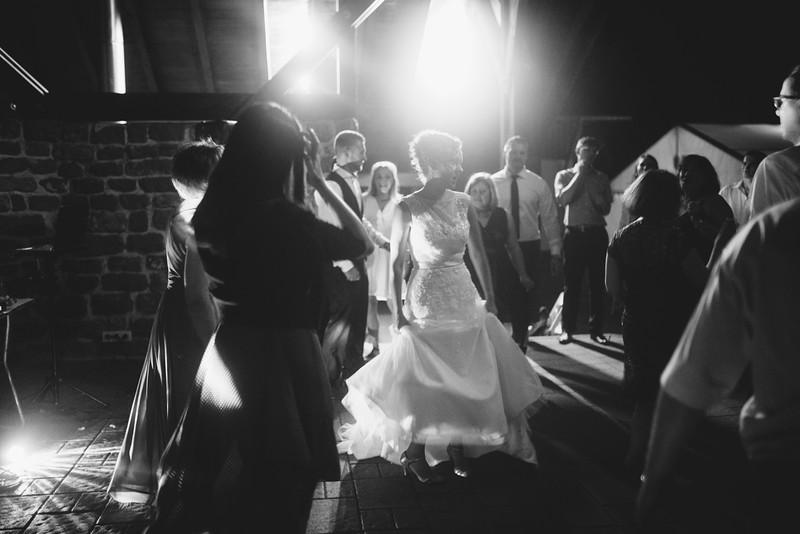 Hochzeitsfotograf-Tu-Nguyen-Destination-Wedding-Photography-Hochzeit-Eulenbis-Christine-Felipe-86.jpg